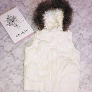 GAP • White Faux Fur Hooded Puffer Vest Small